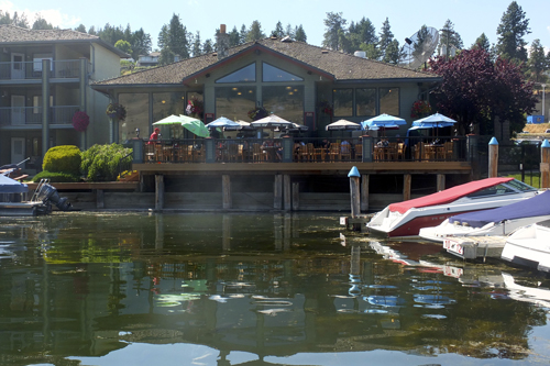 LAKESIDE CAFES & OUTDOOR MARKETS